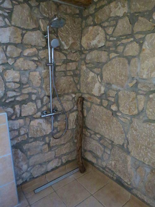 Steinwand Bad Dusche ~ Kreative Bilder Für Zu Hause Design-Inspiration